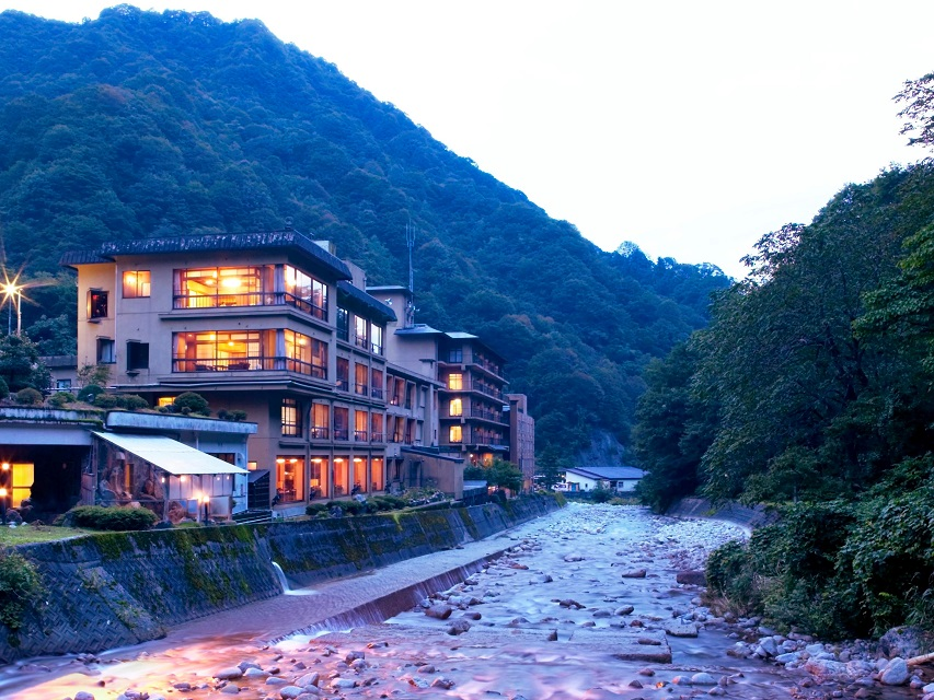 小川温泉全景
