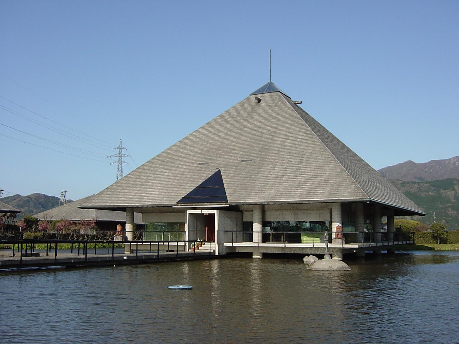 百河豚美術館
