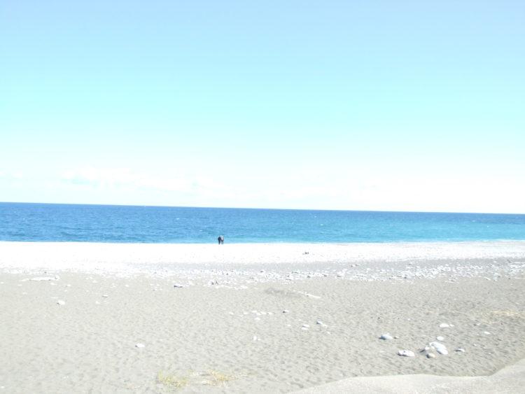 コバルトブルーの海に魅せられて